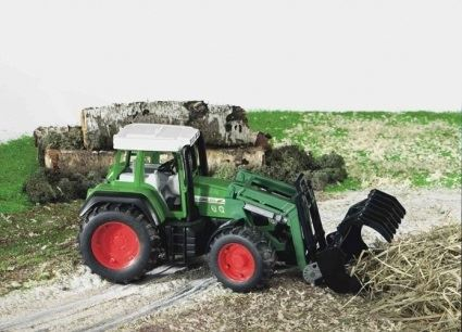Машинки Машинка Bruder Трактор Fendt Favorit 926 Vario с погрузчиком (02062)					 2